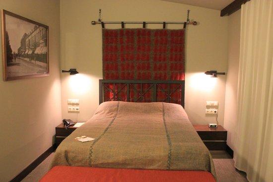 Tufenkian Historic Yerevan Hotel: Our room