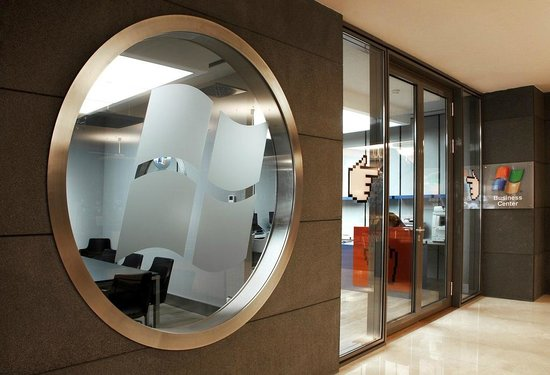 Point Hotel Barbaros: Business Center