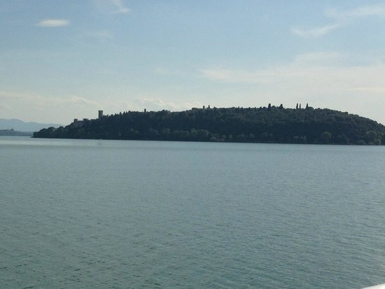 Lac Trasimeno : Isola Maggiore vista dal traghetto