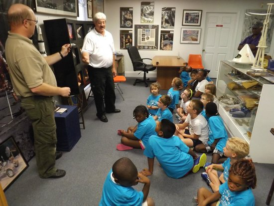 US Space Walk of Fame Foundation & Museum: Kids learning about the Apollo program