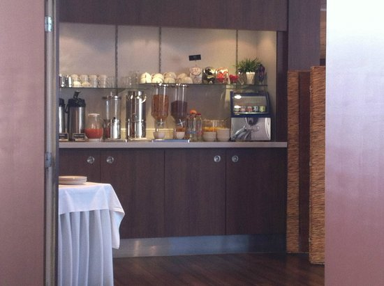 Hotel Brussels: BREAKFAST CORNER