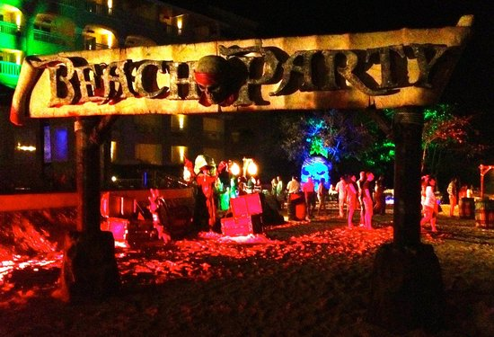 Iberostar Grand Hotel Rose Hall: Beach Party
