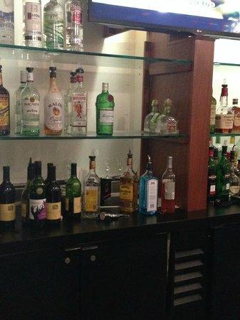 Holiday Inn Hotel and Suites Savannah-Pooler: bar