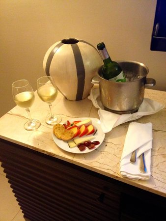 Iberostar Grand Hotel Rose Hall: Room Service