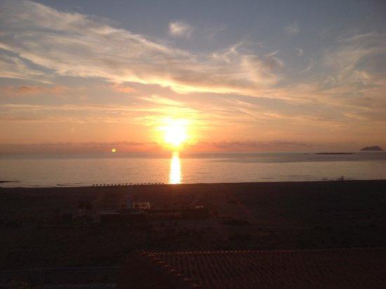 Panorama Hotel: beautiful sunsets