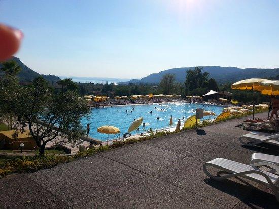 Poiano Resort Hotel: altra vista della piscina