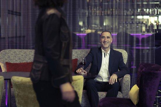 Mercure Nantes Centre Grand Hotel : Bar lounge