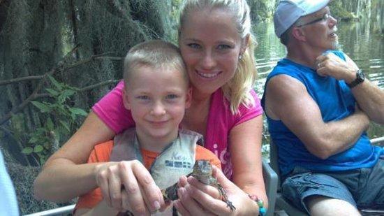 Champagne's Cajun Swamp Tours: baby gator