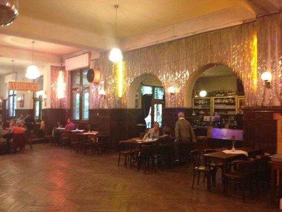 Clarchens Ballhaus Mitte: ballroom