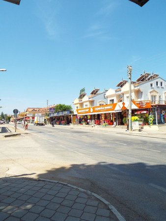 Monta Verde Hotel & Villas : main st