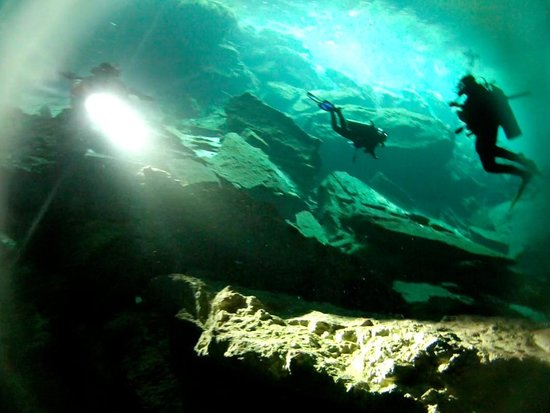 Scuba Playa Dive Shop : Cenote Chac Mool