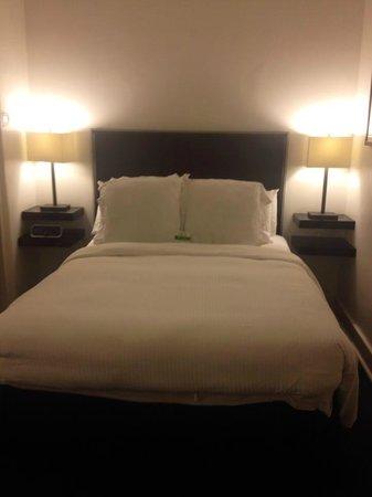 Hotel St. Helene: bed