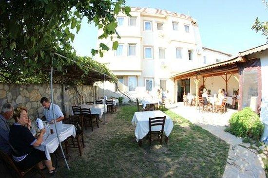 Ilyada Hotel