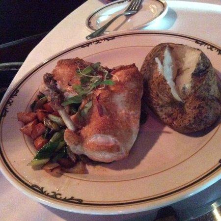 EB Green's Steakhouse: chicken