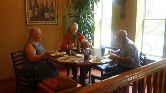 Atlas Brick Oven Pizzeria: Enjoying the corner table ambience