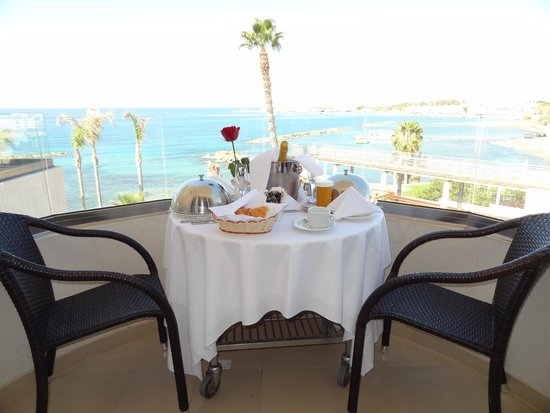 Alexander The Great Beach Hotel: champagne breakfast in room