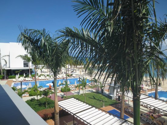 Hotel Riu Palace Jamaica: Left view from balcony