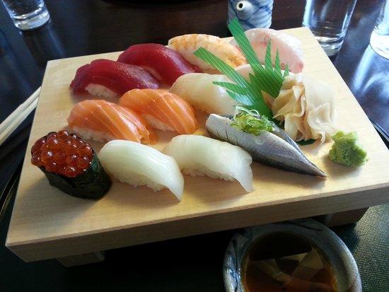Unkai Restaurant: Diverse Nigiri mit hervorragendem Fisch