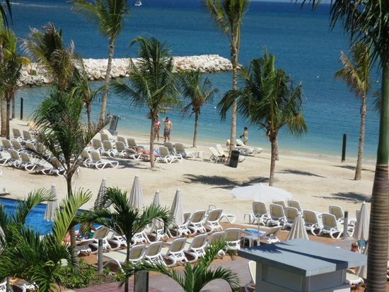 Hotel Riu Palace Jamaica : Left view from balcony