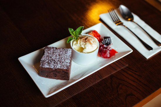 The Courthouse: Our classic chocolate brownie