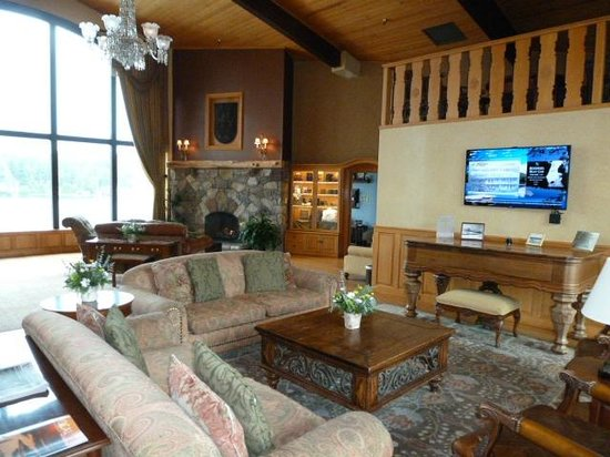 Golden Arrow Lakeside Resort : Lobby
