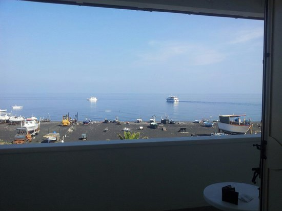 Hotel Ossidiana Stromboli: Vista dal balcone...