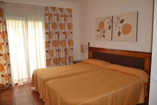 Hotel ISABEL : habitacion de bungalow