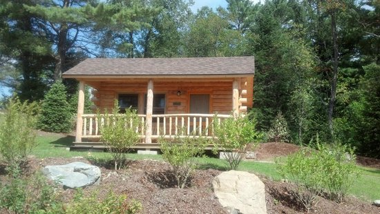 Mountain Lake Campground and RV Park: Cabin 10