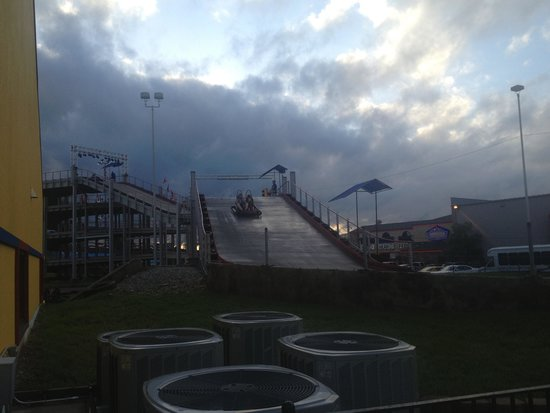 The Track Family Fun Parks : Thrill hill