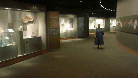 Corning Museum of Glass : Museum...