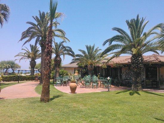 Villaggio Club Baia del Sole: colazione, pranzo e cena ... con vista sul mare