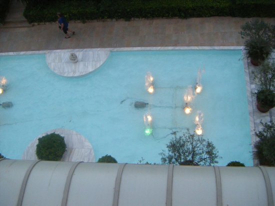Dionysos Hotel: Dionysos water Feature