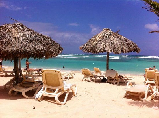 Majestic Colonial Punta Cana: Pool/Strandbereich