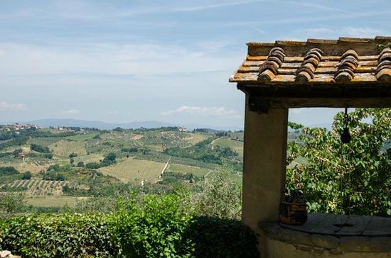 Tuscan Wine Tours by Grape Tours: The hills in Chianti