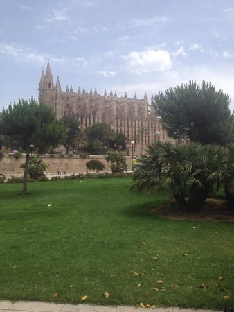 Palma Cathedral Le Seu: View from harbour