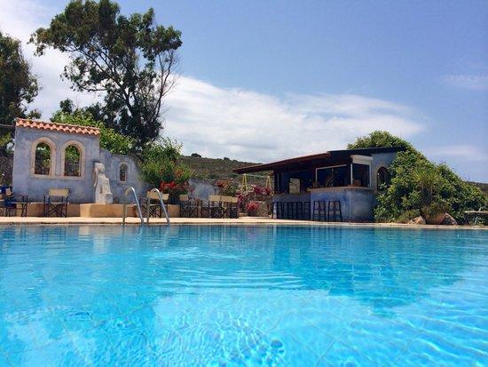 Giorgi's Blue Apartments : Poolbar