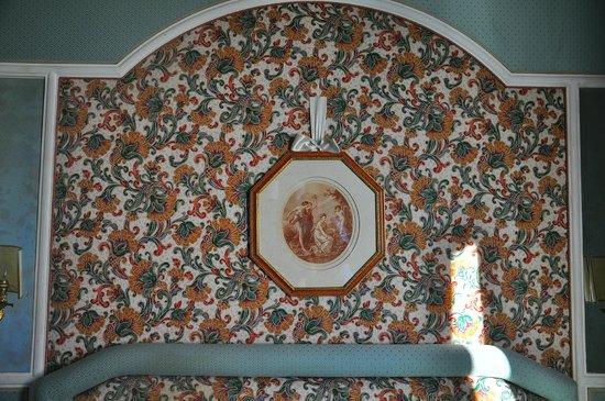 Mecenate Palace : Изголовье кровати