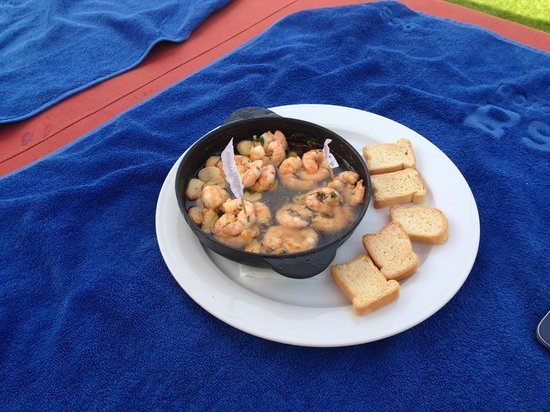 Barcelo Corralejo Bay: Day on the outside canopy bed food
