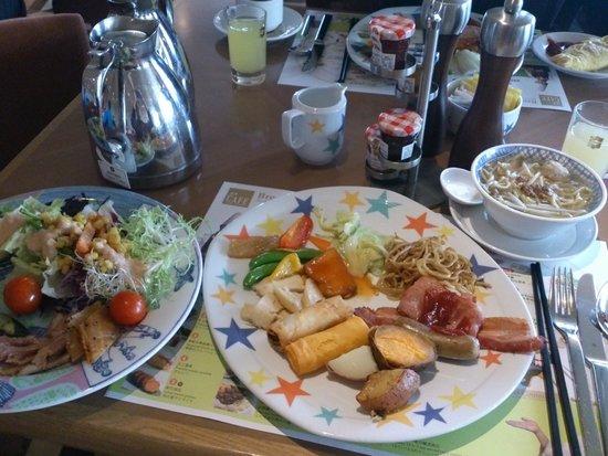Shangri-La's Far Eastern Plaza Hotel Tainan: 朝食バイキング