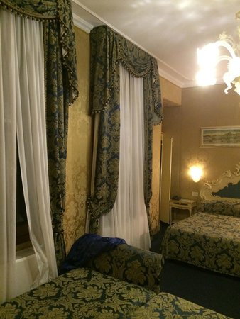 Hotel Becher: Bedroom