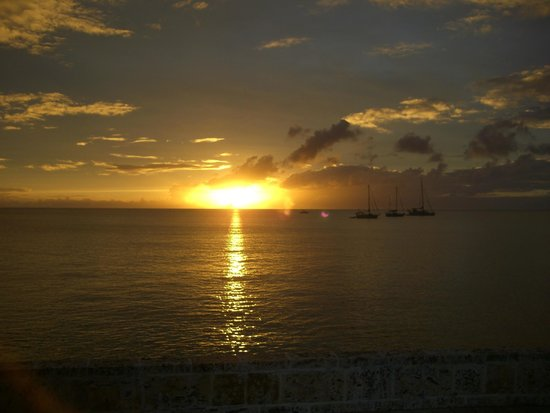 N2theBlue Scuba Diving: Sunset from the pier before the night dive