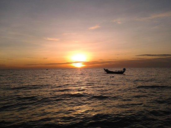 Sonnenuntergang bei den Sunset Bungalows