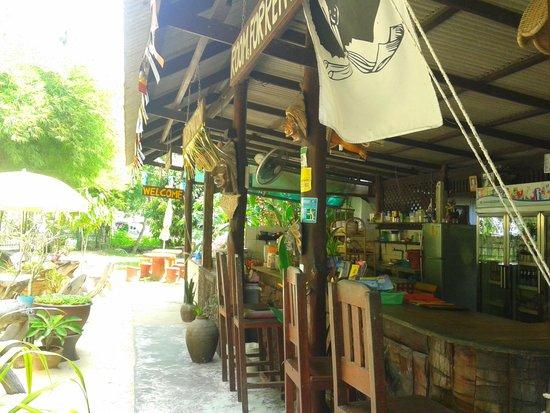 Sunset Bungalows : Apacha-Bar