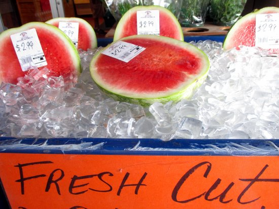 Yoder's Restaurant: delicious  fresh watermelon
