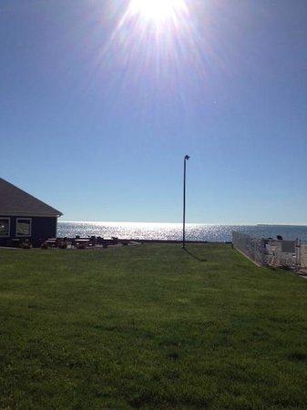 BayShore Resort : restaurant on left...pools on right...beautiful morning sun
