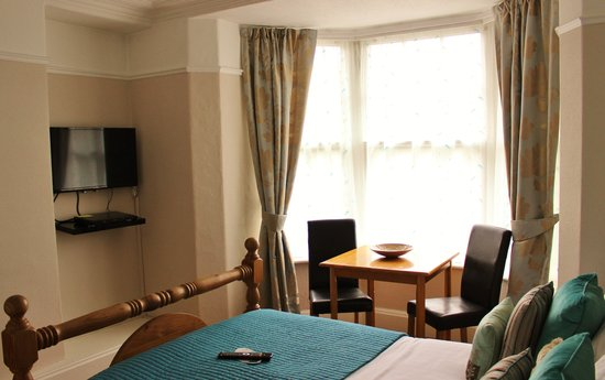 Montfort Cottage Guest House: Buttermere room - ground floor double with en-suite
