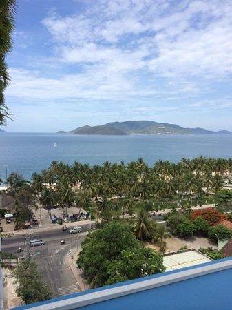 Nha Trang Beach Hotel: Вид с балкона