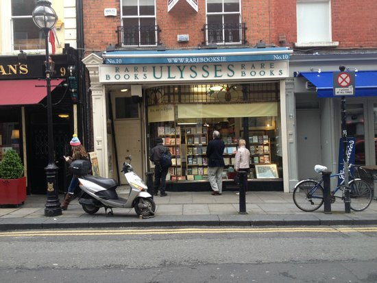 Dublin Literary Pub Crawl: Ulysses Rare Books is right next door to where you meet!