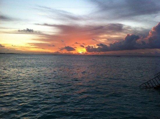 Morning 5am view from heaven villa.. It's a beautiful resort ...