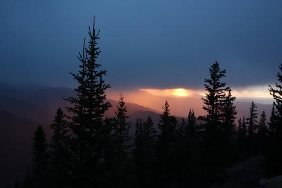Aspen Mountain / Ajax: Foggy Sunset